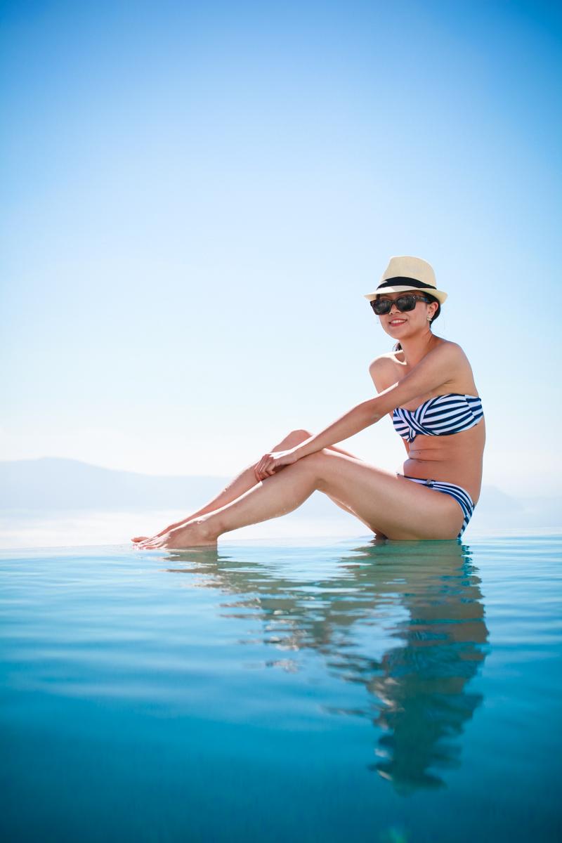 Startwithblack_Santorini pool